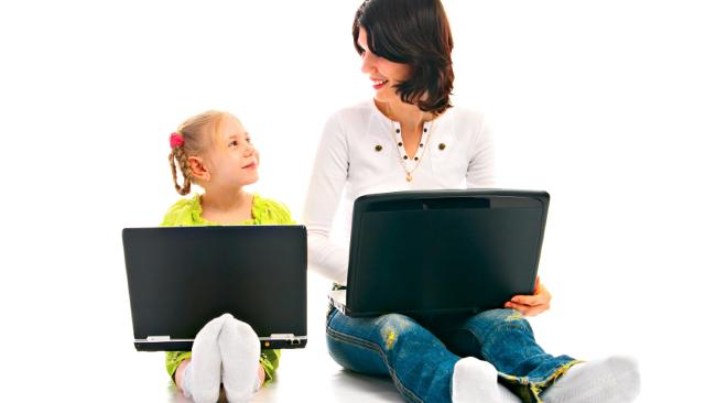 492900-ma-and-child-with-laptop.jpg